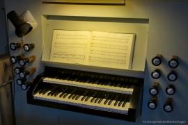 Kirche Blankenhagen - Spieltisch der Orgel