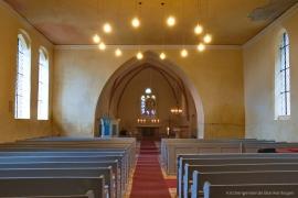 Kirche Blankenhagen - Kirchenschiff mit Bänken