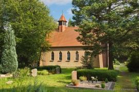 Kirche Gelbensande - Rückansicht